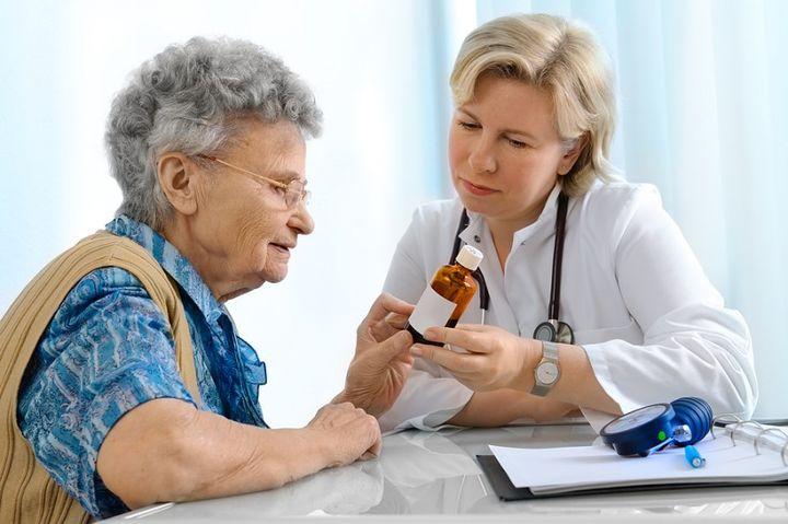 Пенсионер на приеме у врача