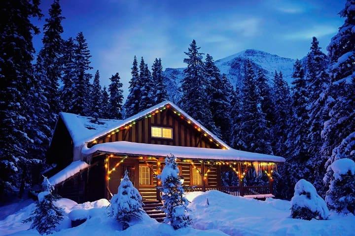 коттедж в Финляндии в снегу