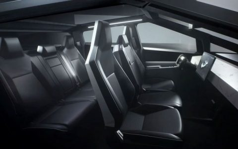 Интерьер Tesla Picap 2020-2021