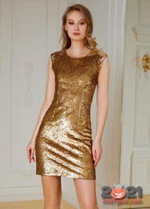 Коричневое коктейльное платье на Новый Год 2021