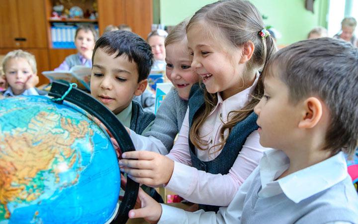 Запись в 1 класс на 2020-2021 год: правила, законы, права