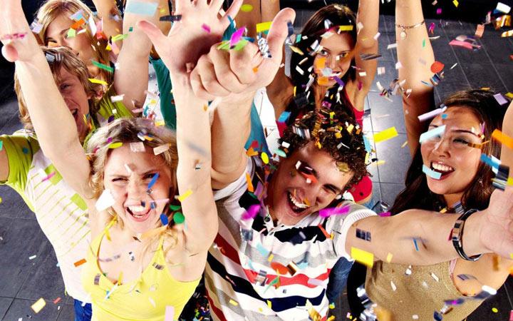 Фанты для праздника с друзьями на Новый Год 2021