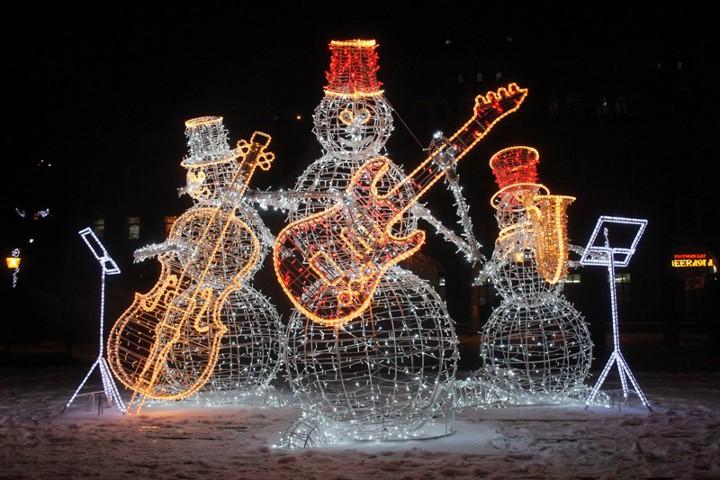 новогодние декорации на улицах нижнего новгорода
