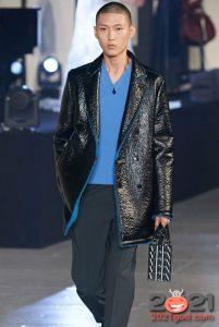 МОдная кожаная мужская куртка с синим мехом осень-зима 2020-2021