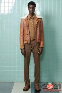 Кожаная коричневая мужская куртка осень-зима 2020-2021 с белым мехом