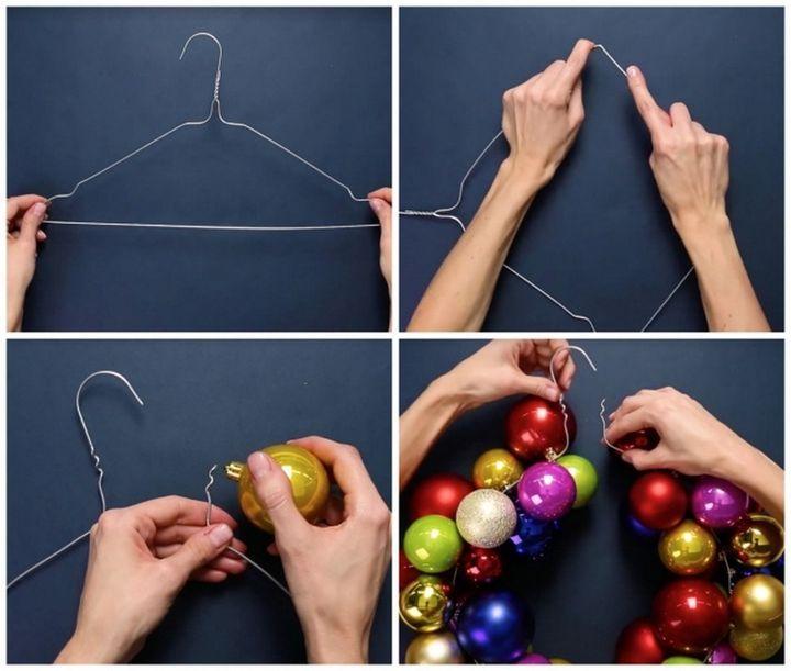 Новогодняя композиция из елочных игрушек и гирлянд