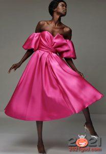 Розовое новогоднее платье на 2021 год