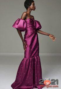 Фиолетовое новогоднее платье на 2021 год