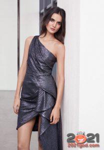 Графитовое блестящее платье асимметрия на Новый Год 2021