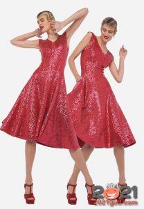Красное блестящее платье на Новый Год 2021