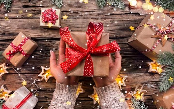 Идеи подарков для детей и взрослых на Новый 2021 год