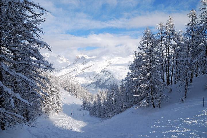 зима в горах Шерегеша