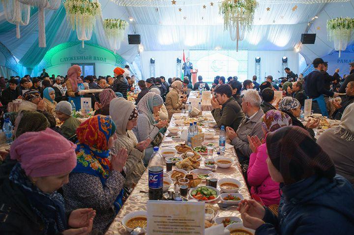 Праздничный стол на Рамадан