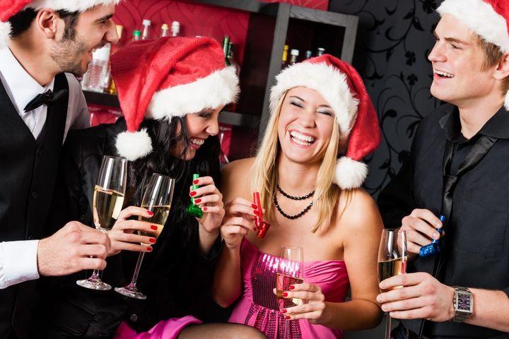 Девушки на новогодней вечеринке