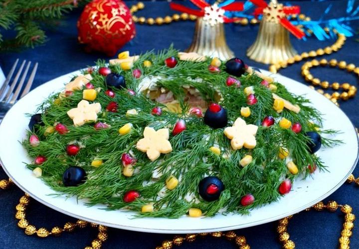 Салат Рождественский венок на Новый Год 2021