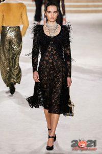 Нежное черное платье на 2021 год