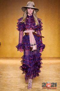Красивое прозрачное платье осень-зима 2020-2021
