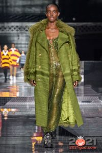 Зеленое пальто осень-зима 2020-2021 года