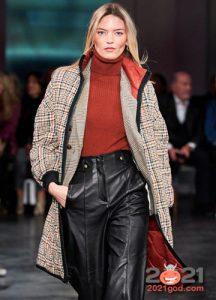 Тонкие облегающие свитера ярких цветов осень-зима 2020-2021