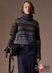 классический полосатый свитер на 2020 2021 год