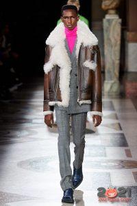 Мужская кожаная куртка сезона осень-зима 2020-2021