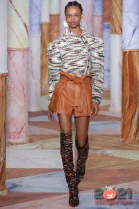 Модные кожаные шорты на 2021 год