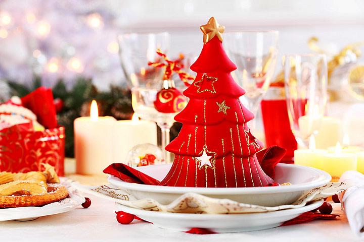 новогодняя сервировка стола в ресторане