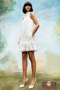 Короткое свадебное платье с воланом сезона осень-зима 2020-2021