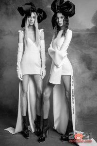 Короткое свадебное платье со шлейфом сезона осень-зима 2020-2021