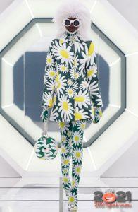 Колготки с модным цветочным узором на 2021 год