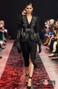 Модный черный жакет с вышивкой осень-зима 2020-2021