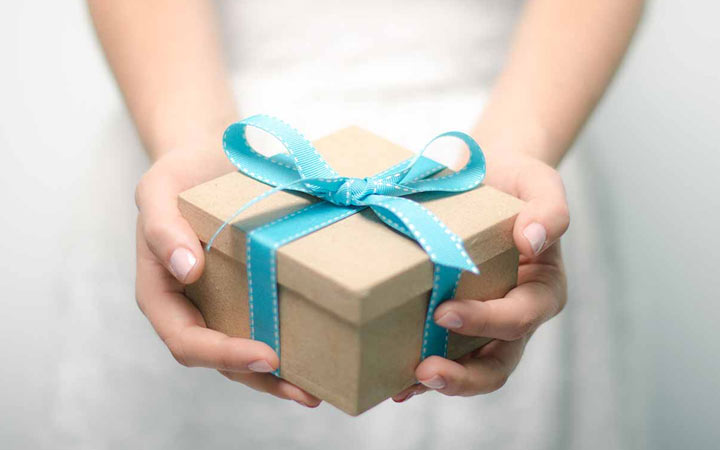 Что подарить другу, коллеге или ребенку на Новый 2021 год