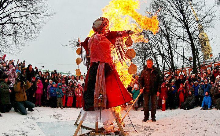 Проводы зимы и сжигание чучела