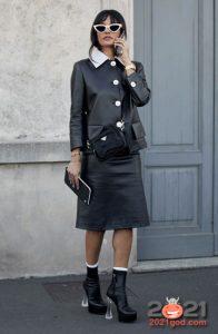 Кожаный костюм - уличная мода сезона осень-зима 2020-2021
