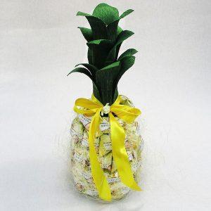 Сладкие подарки на Новый год 2021 - ананас из бутылки шампанского