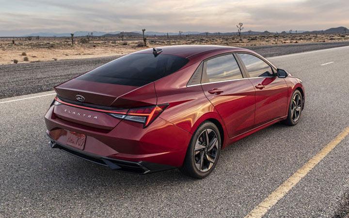 Экстерьер Hyundai Elantra 2021 года
