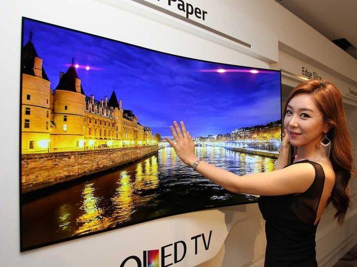 Телевизор в рулоне