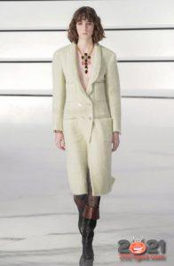 Белое пальто Шанель зима 2020-2021