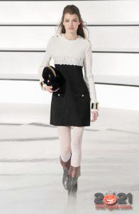 Стильное классическое платье Шанель осень-зима 2020-2021