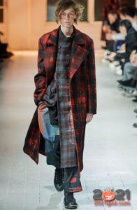 Модный многослойный образ для мужчин на зиму 2021 года