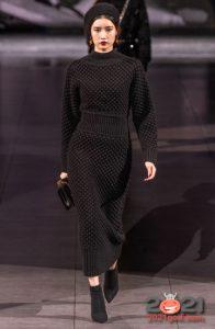 Вязаное платье осень-зима 2020-2021