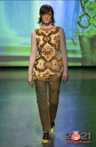 Модные зеленые джинсы 2020-2021 года