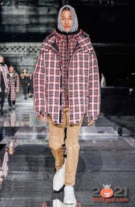 Модные бежевые джинсы 2020-2021 года