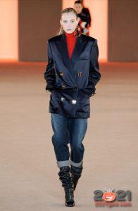 Модные джинсы с манжетами на 2021 год