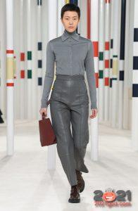 Модные луки зимы 2020-2021 - кожаные брюки