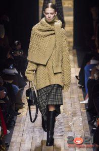 Модный свитер сезона осень-зима 2020-2021