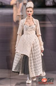 модный асимметричный лук Dolce & Gabbana сезон осень-зима 2020-2021