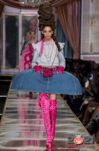 Модные розовые ботфорты осень-зима 2020-2021