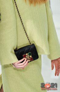 Маленькая стеганая сумка Шанель осень-зима 2020-2021