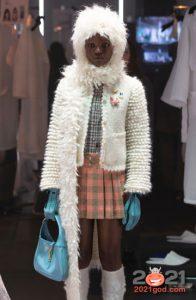 Модная яркая сумка сезона осень-зима 2020-2021